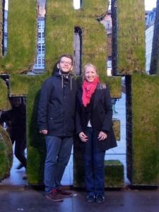 Literaturdidaktikerin Tanja Schwarzmeier mit DAAD-Sprachassistent Felix Zuehlsdorf in Vitoria-Gasteiz